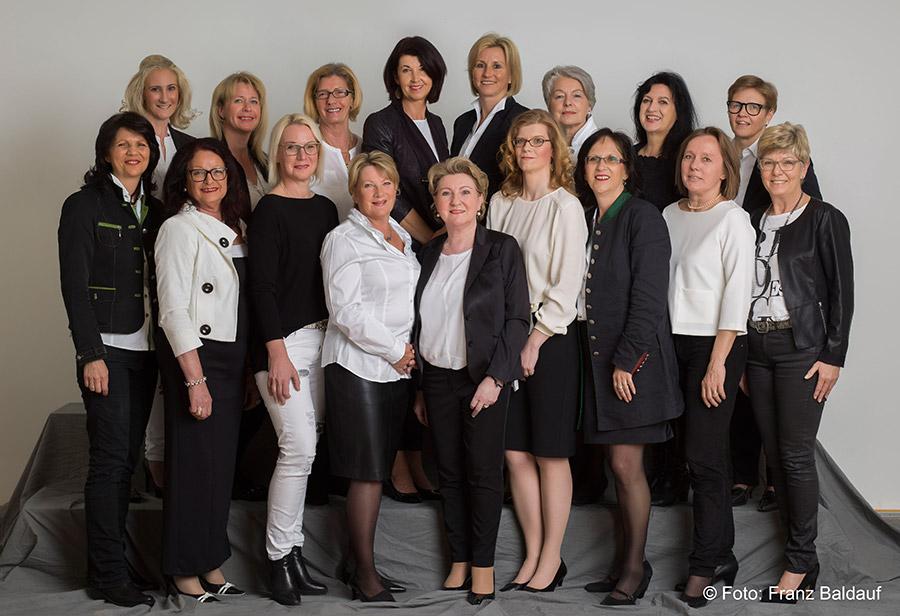 Wir Frauen Portrait